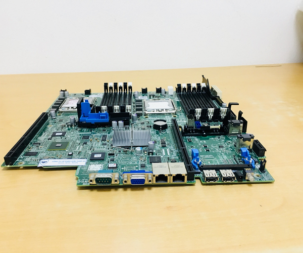 05M7VK Main Dell R420 01